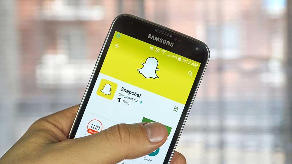 snapchat app on phone